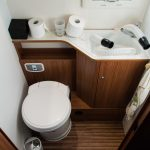 Die original Toilette im Wohnmobil